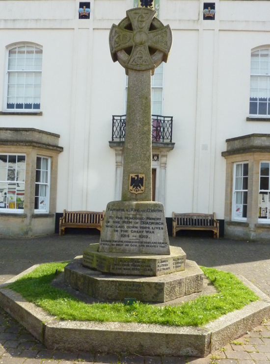 War Memorial in the Guildhall Courtyard